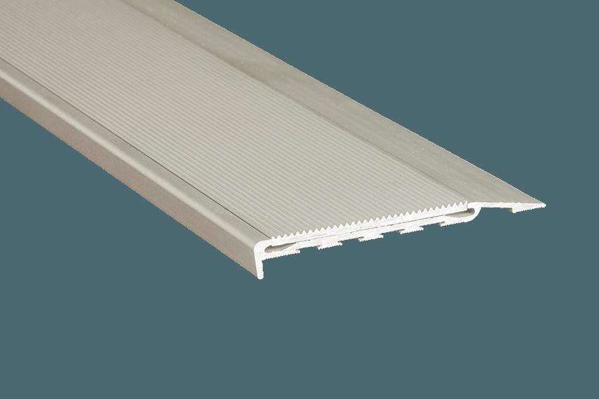 221111 - Venturi Aluminium Silver Corrugated Insert SM Silver Nosing