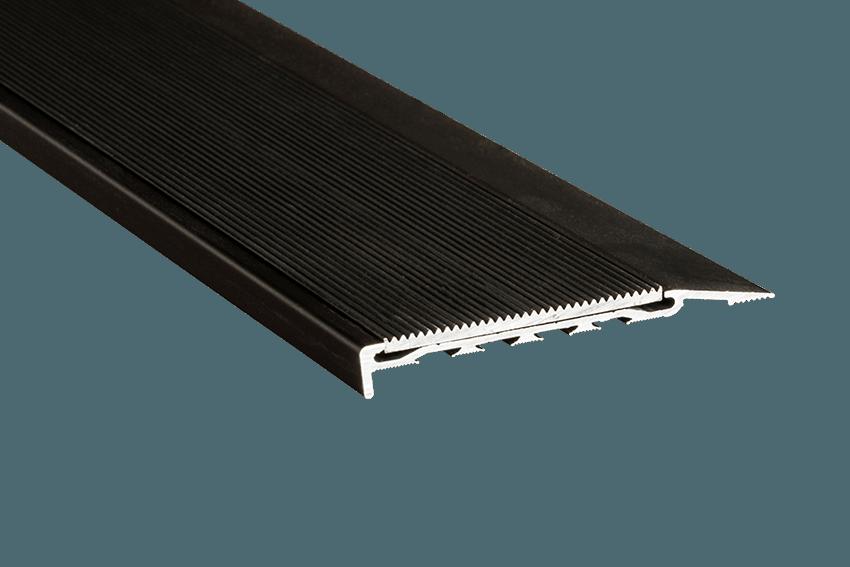 221124 - Venturi Aluminium Black Corrugated Insert SM Black Nosing221124 - Venturi Aluminium Black Corrugated Insert SM Black Nosing