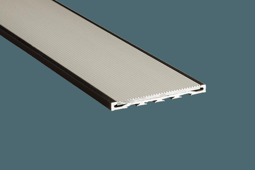 221221 - Venturi Aluminium Silver Corrugated Insert RC Black Nosing