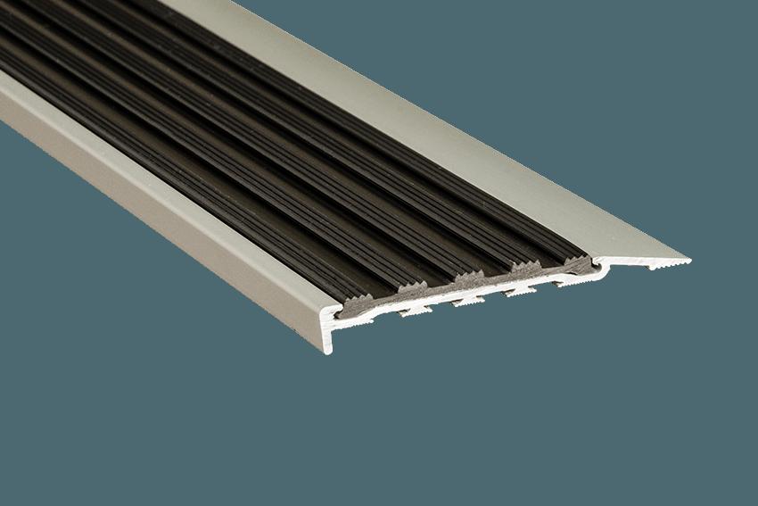 223111 - Venturi Polymer Black Insert SM Silver Nosing