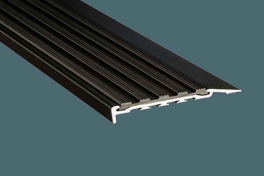 223121 - Venturi Polymer Black Insert SM Black Nosing