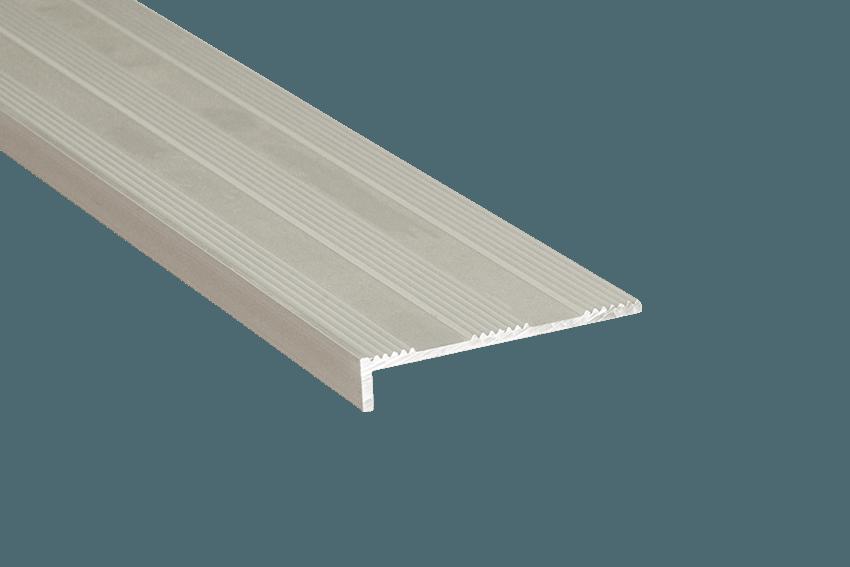 231112 - Tadao Aluminium Striped 10x50mm SM Silver Nosing